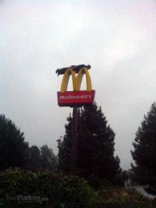mcdonalds-planking-extreme