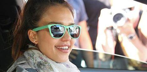 Jessica Alba sunglasses knockaround