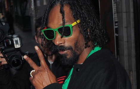 Snoop Dog sunglasses knockaround rasta rap